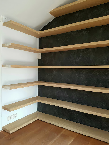 Boekenkast voor hoek wand – Kastenmaker Haarlem